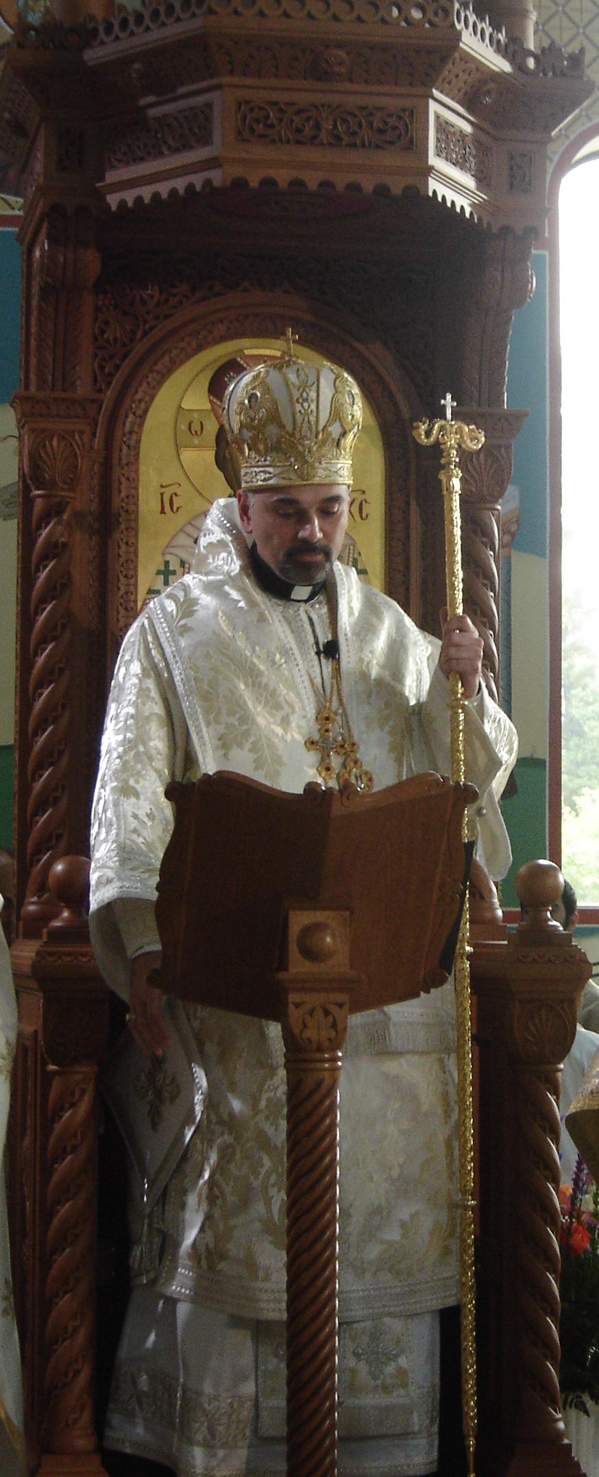 Bp. ALEXANDER delivering his sermon from the Cathedral's throne (Click to enlarge)