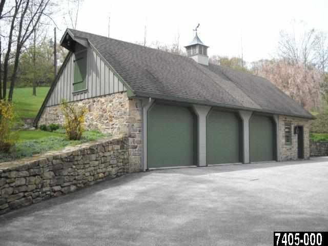 Three car garage antiochian orthodox christian archdiocese for Garage ww auto