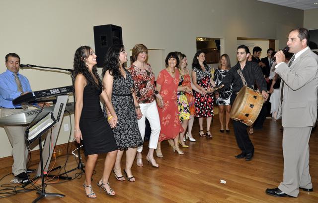 Hafli & Al Layali Band: Following the banquet, dancing!  Music provided by the wonderful Al Layali Band.