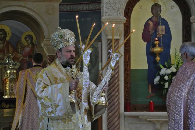 Bishop Nicholas Presides at Sunday Morning Hierarchical Liturgy
