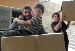 DERD distributes humanitarian kits in Syrian neighborhood