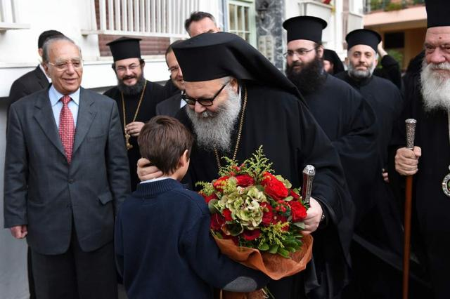 Patriarch John greeted by the faithful in Syria, 2014