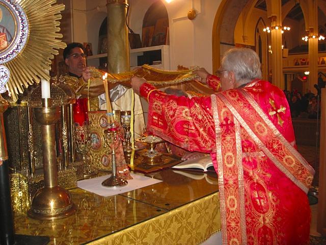Metropolitan Philip Celebrates 2010 Nativity Liturgy
