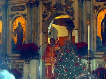 Metropolitan Philip preaches at the 2004 Christmas Eve Liturgy at St. Nicholas Cathedral in Brooklyn