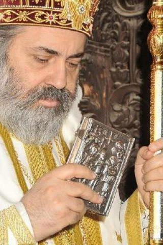 Metropolitan Paul of Aleppo Celebrating Pascha