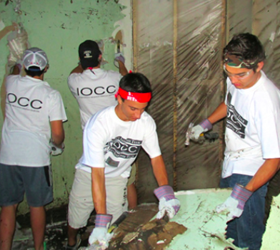 IOCC volunteers help during midwestern floods,  June 2014 (photo: Dan Christopulos/IOCC)